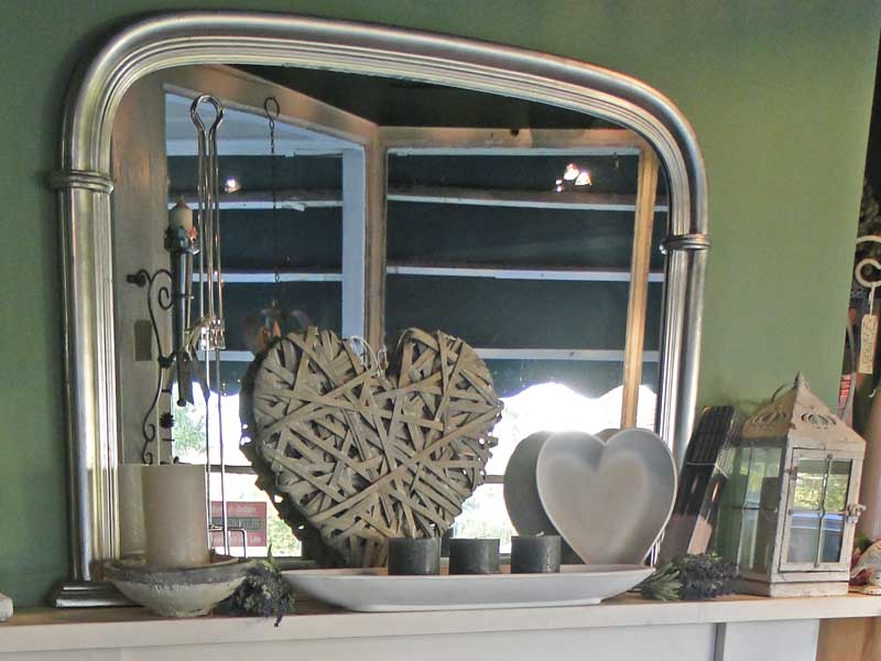 Mantlepiece Mirror and accessories